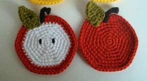 2-crochet-apple-coasters