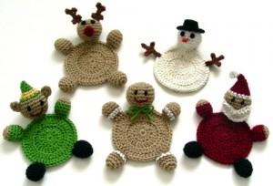 crochet-christmas-character-coasters