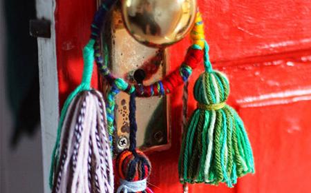 Decoración para la puerta con lanas_ini
