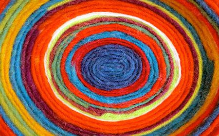 Colgantes de lana (medallones)