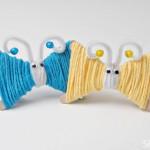 Mariposas de lana y palitos de helado
