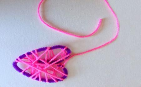 Corazón decorado con lanas