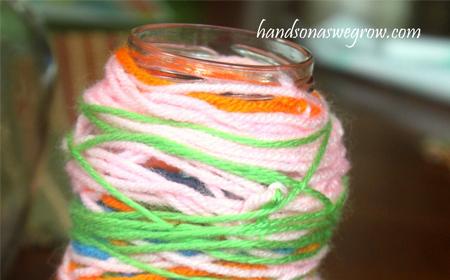 Frasco decorado con lanas