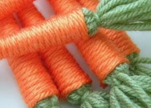 Zanahorias con lanas para decorar