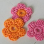 Flores pequeñas en ganchillo